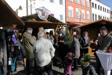 Langoschstand am Christkindlmarkt zu Gunsten sozialer Zwecke