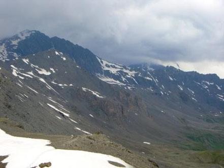 Vanoise : Rochers des Barmes de l'Ours devant la Pointe de la Sana ? - AU BOUT DES PIEDS