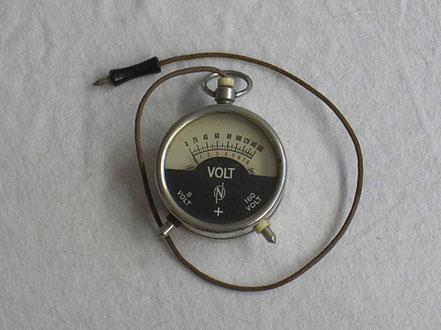 Neuberger Taschenvoltmeter