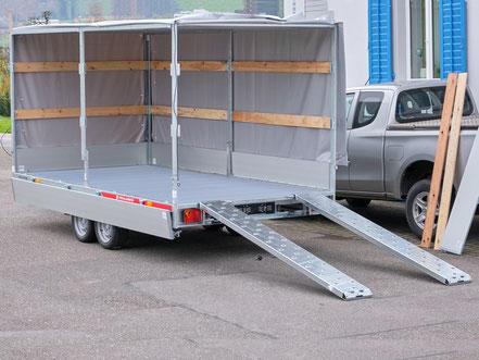 Humbaur PKW Anhänger zum Kaufen, der Anhänger wird in einem Packet angeboten, eine Bordwanderhöhung und eine Flachplane sind bei diesem Angebot inklusive