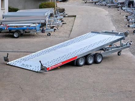 Humbaur pkw Anhänger mit einem Gitteraufsatz aus Stahl, dieser Anhänger ist ein beliebtes Modell und und steht bei uns auf dem Hof zum Kaufen