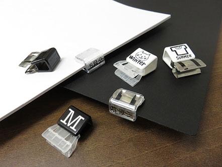スライドクリップのモノトーンカラー使用例