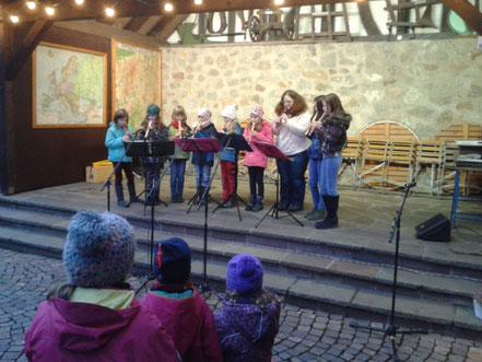 Blockflötengruppe  beim Winterzauber