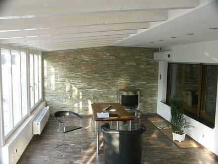 aménagement d'un espace supplémentaire dans la maison avec une véranda