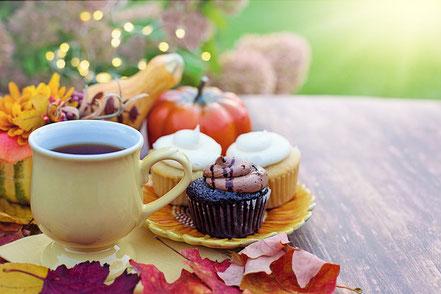 カフェのアイスカフェラテ。
