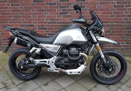 Motorrad mieten z.B. die Moto Guzzi V9 Bobber - Modell 2017