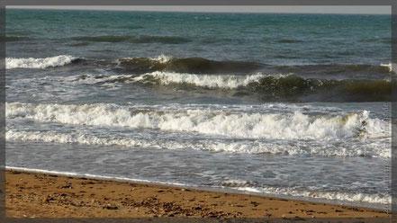 raues Meer bei sehr viel Sturm