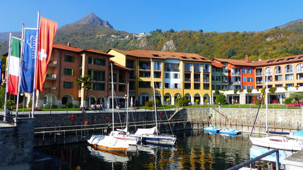 Blick vom Seeufer - Hotelanlage u. Cima di Morissolo