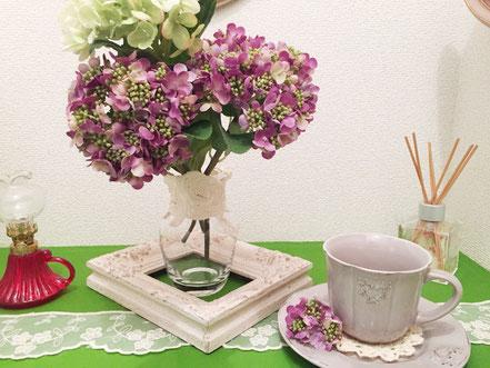 狭い玄関ですが、紫陽花を添えて。