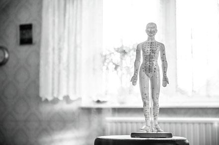 Akupunktur Akutaping Angebot Hebamme Julia Schuetz