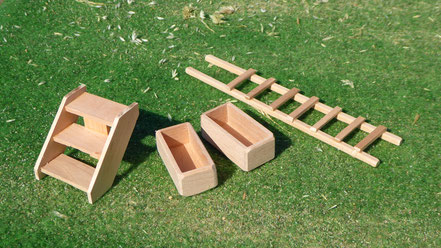 Zubehör aus Holz für Schleich Tiere