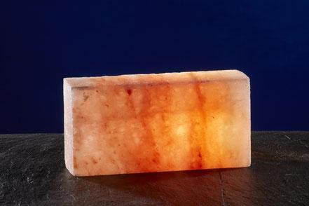 Salzstein mit glatter Oberfläche.