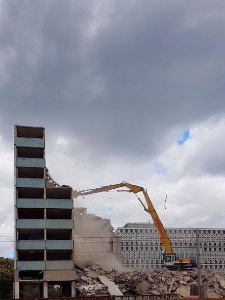 Der Blaue Bock beim Abriss.