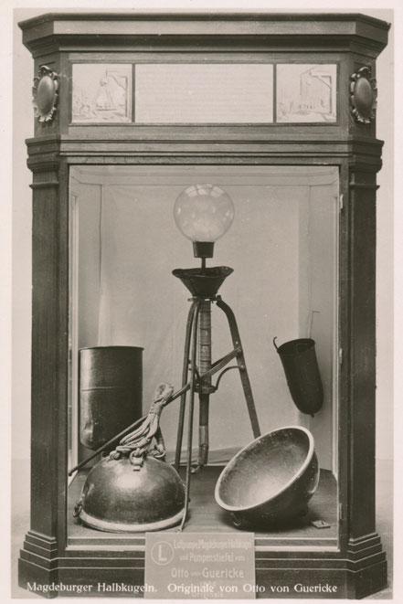 Otto von Guerickes erste Luftpumpe im Museum München.