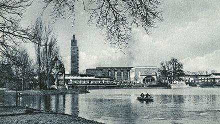 Stadthalle Magdeburg und See