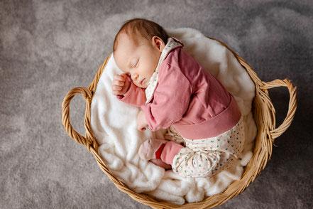 Neugeborenenshooting, Neugeborenenfotografie, newborn, newbornshooting, Baby, Babyfoto, Freising
