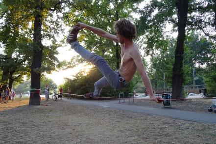 Tricklining / Jumplining - Slackliner Halle e.V.