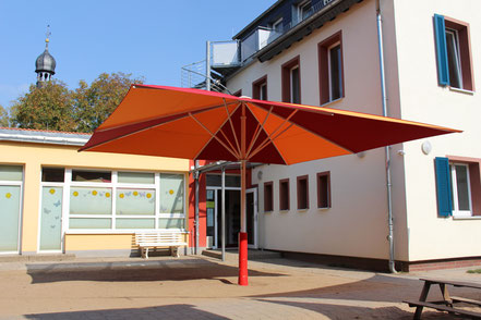 Sonnenschirm Kindergarten Arche Hofheim Wallau