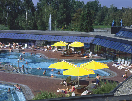 may RIALTO Sonnenschirm im Schwimmbad