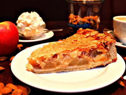 Kuchen und Torttenauswahl im Café und Konditorei Schlosser