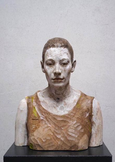 BRUNO WALPOTH, Monika, Nußholz, gefärbt, 2019, 52x43x26cm