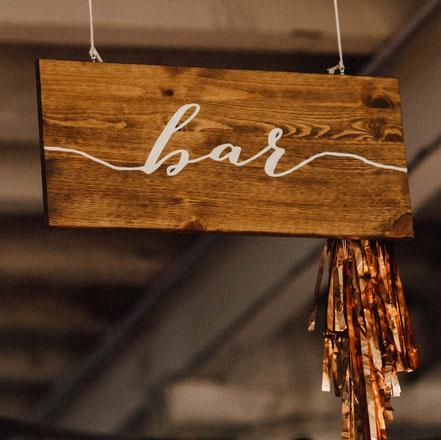 Holzschild Bar