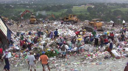 Daher wünsche ich mir auf dem Sportbekleidungsmarkt mehr Nachhaltigkeit: Um genau diesen Müll zu vermeiden oder zumindest weniger werden zu lassen