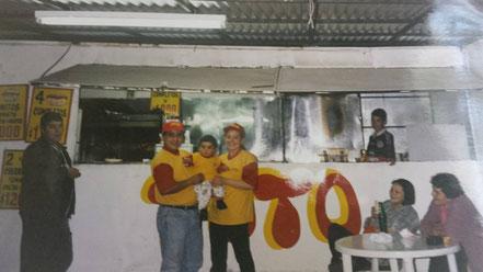 """Primeros años del local de comida """"Toto"""""""