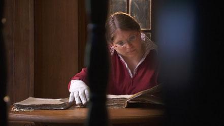 Die Briefe, die Elisabeth in Geheimschrift verfasste, hat Dr. Anne-Simone Raus transkribiert.