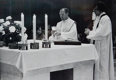 Pfarrer Eigenseder und Kaplan van Heyster