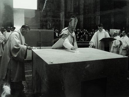 Konsekration des Altares in der Kirche zu den vier heiligen Evangelisten durch Dr. Franz Jachym