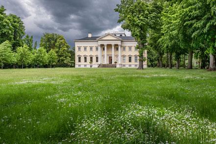 Schloss Wörlitz, aus Bildband Dessau-Wörlitzer Gartenreich