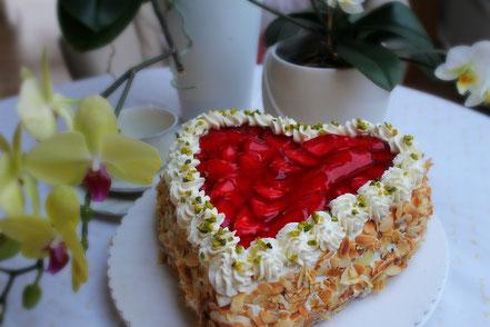 Rezept für eine Erdbeertorte ohne Zucker - Dinkelprofi.de