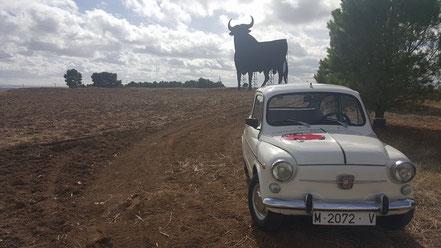 Toro de Osborne y Seat 600