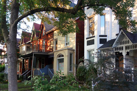 ... farbenfrohe Häuser im Stadtteil Kensington.
