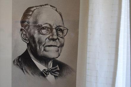 Bild des Autors Gunnar Gunnarsson in seinem Haus.