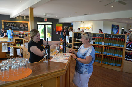 Wine Tasting bei Sandbanks Winery