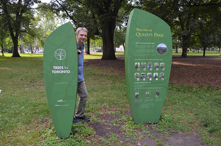 Der ovale Queen´s Park mit dem Ontario House of Parliament in der unmittelbaren Nachbarschaft zur University of Toronto.