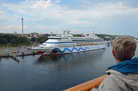 ... und verlässt Kiel mit Ziel Oslo. Die (Kurz-) Reise beginnt.