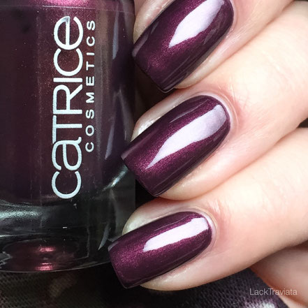 swatch First Class Up-Grape Catrice Cosmetics