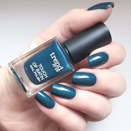 Swatch trend it up 010 touch of satin nail polish