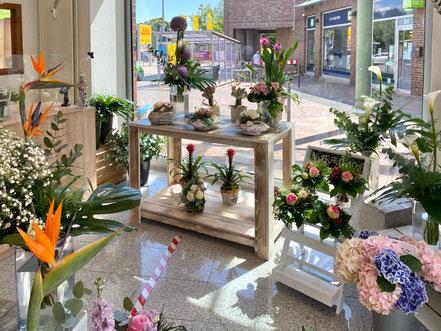 Luise Potrykus hat ihren Blumenladen mit viel Liebe zum Detail eingerichtet - Passage Kattenturm, Bremen Obervieland (Foto: 05-2020, Jens Schmidt)