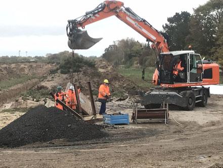 Bagger auf der Baustelle der Gartenstadt Werdersee (Foto 10/2018)