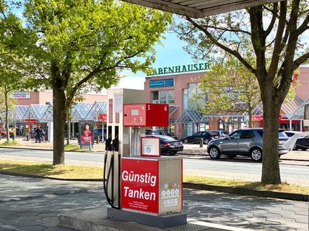 Tankstelle am Supermarkt Ernst-Buchholz-Straße in Bremen-Habenhausen, Bremen Obervieland