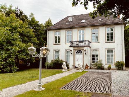 Poppes Landhaus - Landgut der Bremer Kaufmannsfamilie Poppe - Kulturdenkmal der Stadt Bremen in Obervieland (Foto: 05-2020, Jens Schmidt)