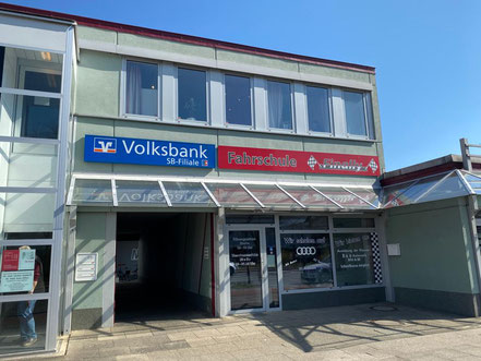 Fahrschule Finally im Einkaufszentrum Arsterdamm in Bremen-Arsten (Bremen Obervieland)