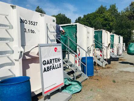 Entsorgungscontainer auf dem Recyclinghof Obervieland in Bremen-Habenhausen, hier unter anderem für Gartenabfälle (Foto: 08-2018, Jens Schmidt)