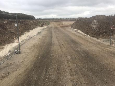 Bauzufahrt auf das Baugelände der Gartenstadt Werdersee (Foto: 10-2018, Jens Schmidt)