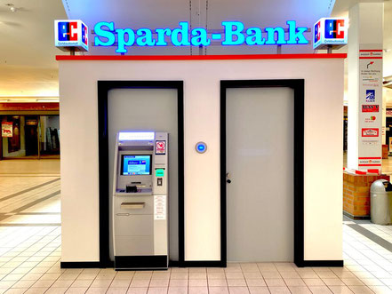 Seit Oktober 2019 befindet sich ein Geldautomat der Sparda-Bank im Werder-Karree Einkaufszentrum in Bremen-Habenhausen, Bremen Obervieland