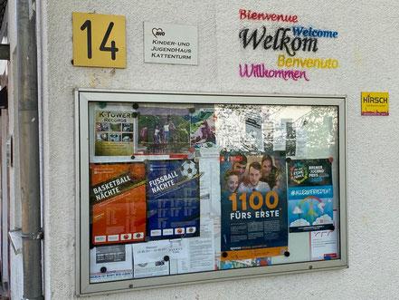 Aushang am Schaukasten - Jugendhaus / Jugendclub der AWO Bremen: Kinder- und Jugendeinrichtung mit offenem Angebot in 28277 Bremen-Kattenturm, Bremen Obervieland (Foto: 04-2020, Jens Schmidt)